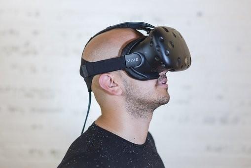 HTC VR眼镜