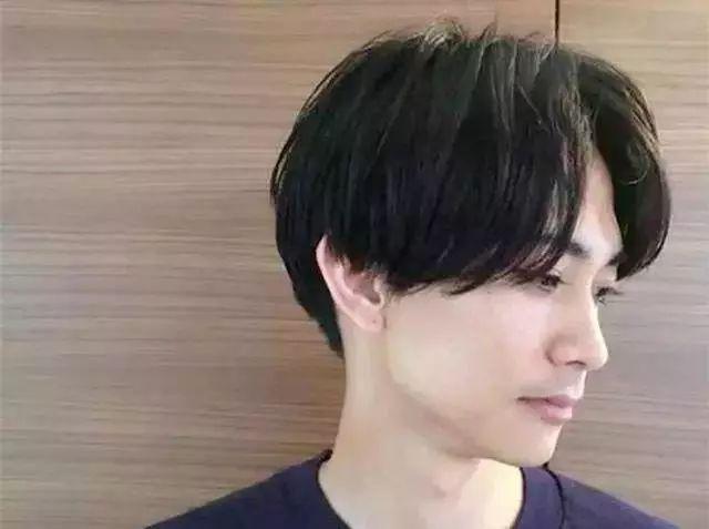 男生冬天剪这5款发型剪出来就很帅!