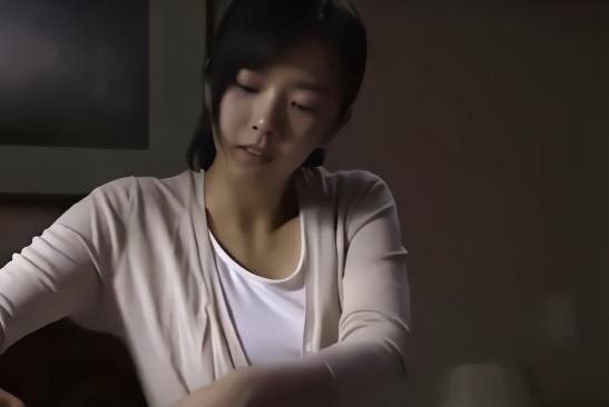 十一岁女生家庭伦理电影_一部韩国伦理电影,女孩为了复仇牺牲自己