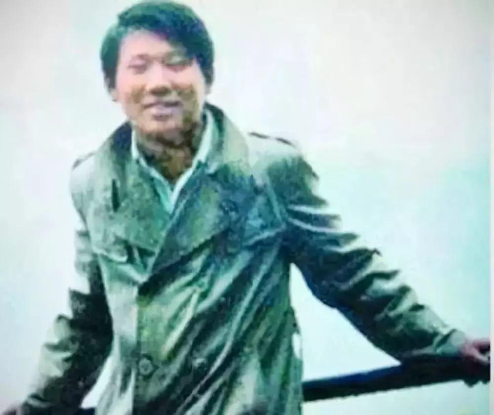 监管部门称诊所关门无法查(图) 不谙水性中学教师跳河救坠河少年