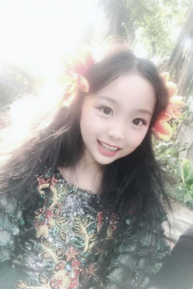 范冰冰9岁堂妹范朵朵近照曝光网友:这气场就是另一个范爷啊_腾讯