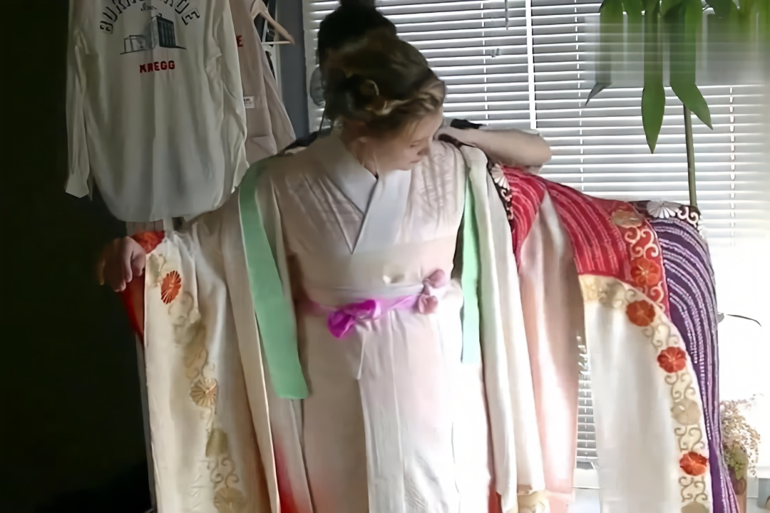 穿搭分享,国外小姐姐穿日本和服,很仙很美噢