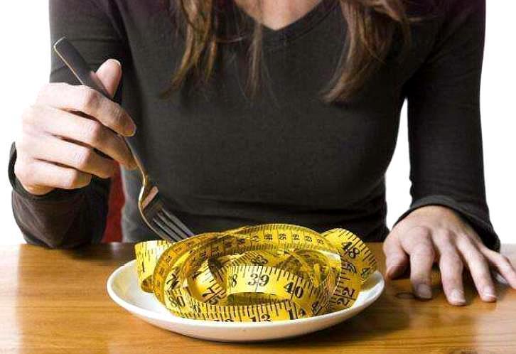 瘦身不吃晚饭?除了段时刻瘦之外,还有些长时间影响!