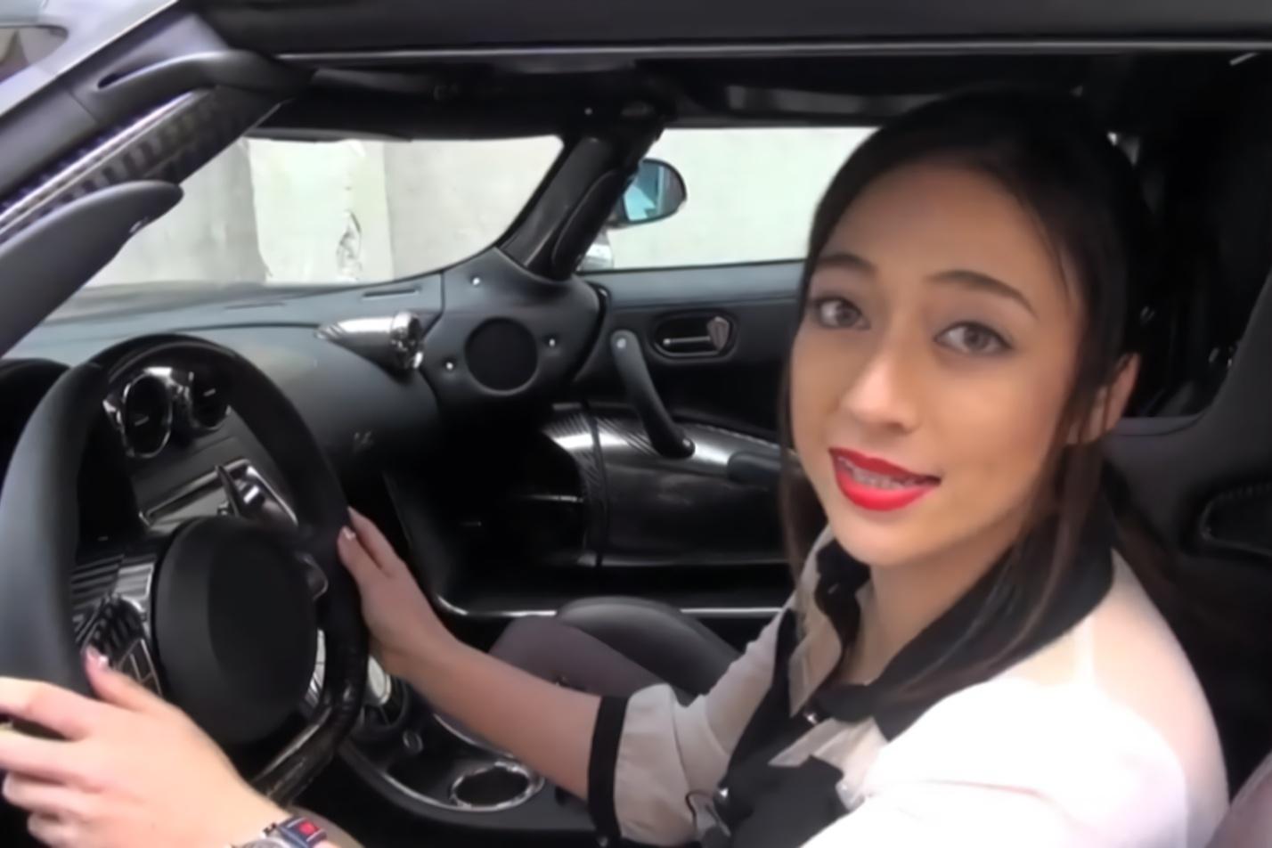 日本小姐姐试驾柯尼塞格,全球限量仅三台,售价3亿日元!