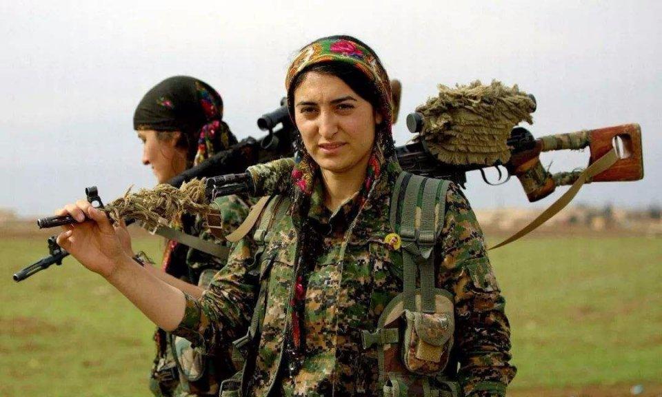 这小型武装作风剽悍,突然袭击伊拉克,要在美俄缝隙间求生存