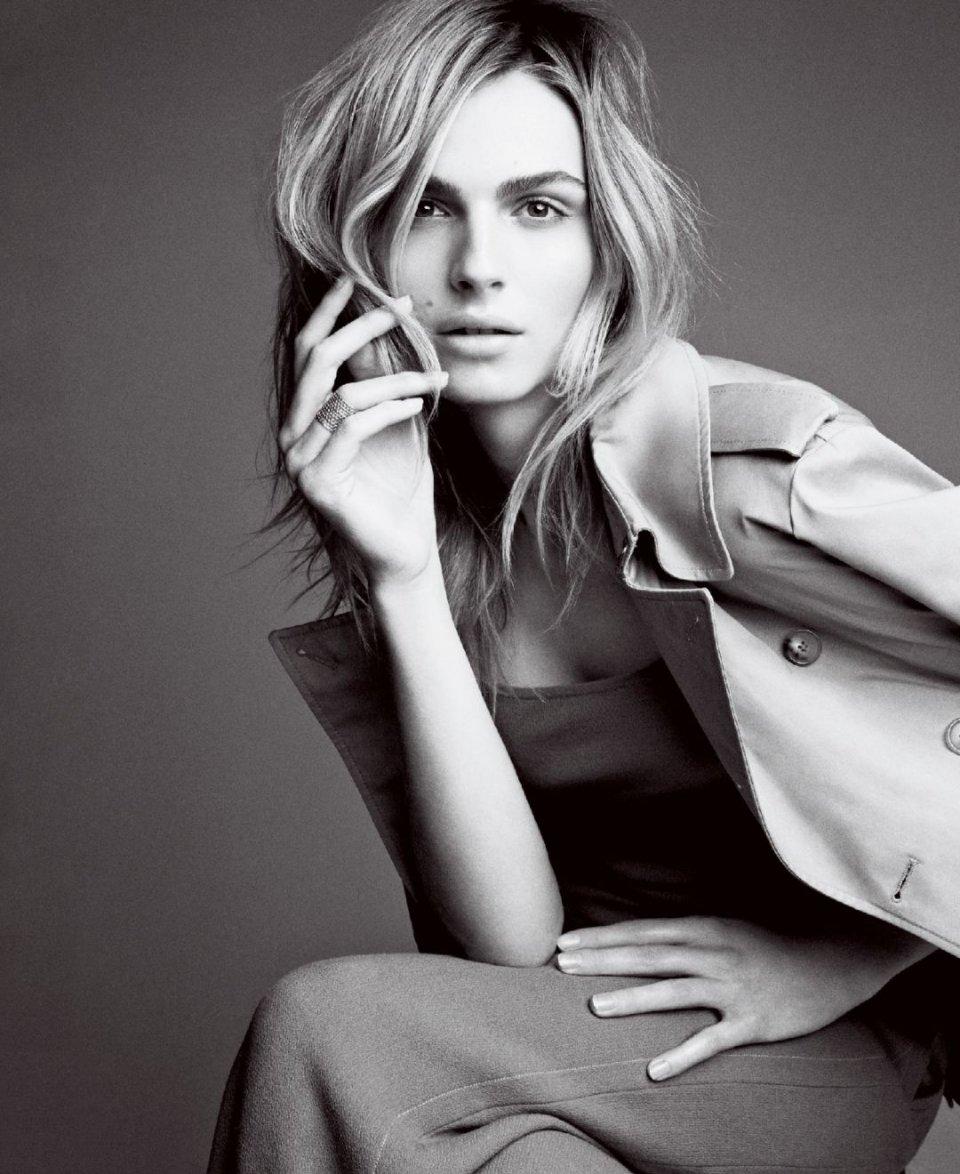 巴黎秋冬时装周_当年的巴黎秋冬时装周上,她被设计师jean paul gaultier钦点,以女装的