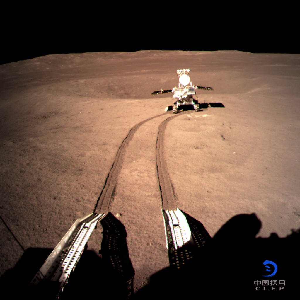 玉兔二号月球车于29日晚自主唤醒开展第四月昼工作