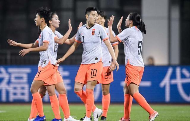 77天連奪2冠!中國足球依靠女足姑娘撐面 男足呢?