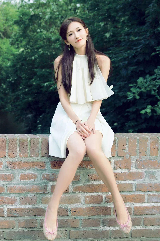 林志玲真有45岁?穿牛仔私服清爽现身,一身减龄造型竟比少女还嫩图片