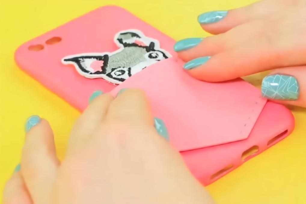 闺蜜手工恶作剧,有趣的创意diy手机壳,你中意哪一个?