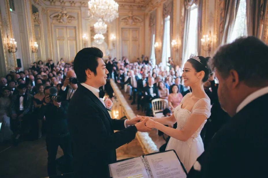 周杰伦昆凌现身郎朗法国凡尔赛宫婚礼