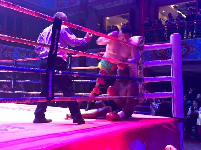 张君龙刻苦备战欲KO克里琴科,拳迷:这才是心目中的世界拳王