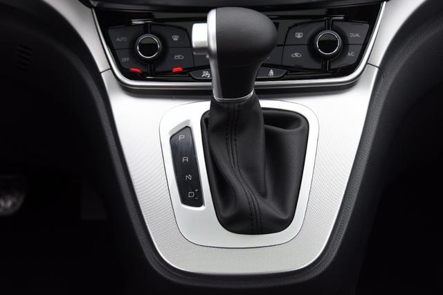 1.5T+7DCT湿式变速箱,油耗仅6.8L,新款哈弗M6还只卖6.6万