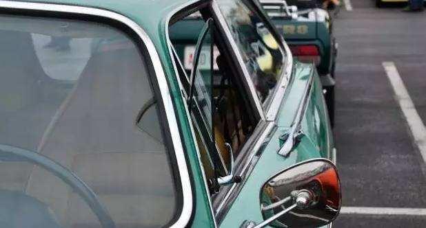欧洲路上大部分的车都没有天窗,你知道是为什么吗?
