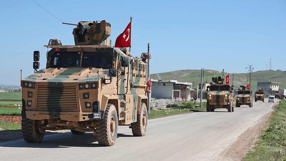 在特朗普特使出席谈判之前,土耳其威胁,将对库尔德武装发动袭击