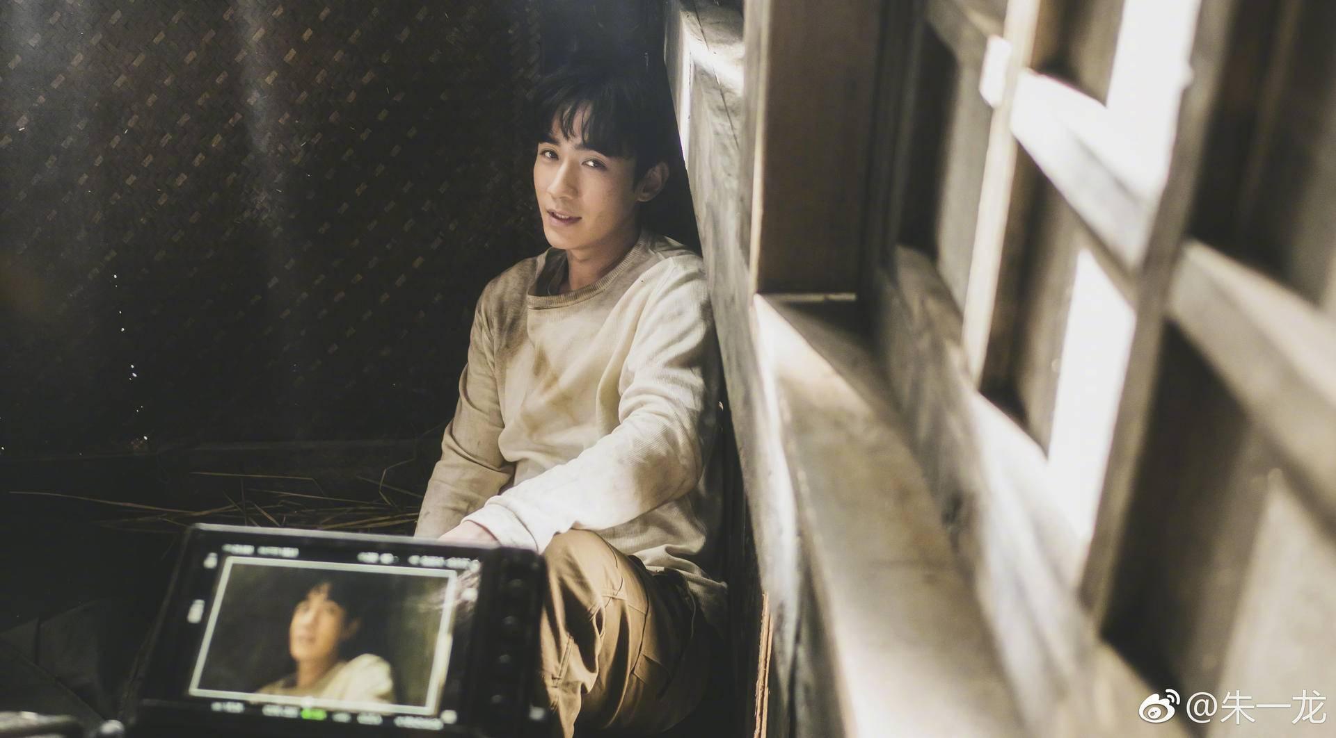 """朱一龙大红色一年无作品?一而再再而三""""演员初衷""""却想走爆红旧路?"""