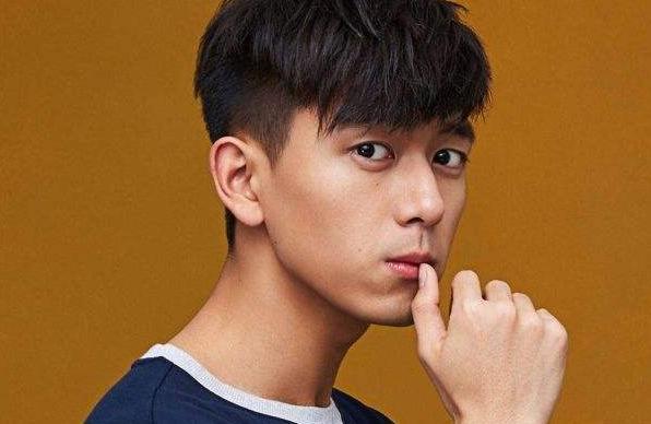 """李现因为新剧走红,经纪人杨天真也""""沾光"""",成为业界金牌!"""