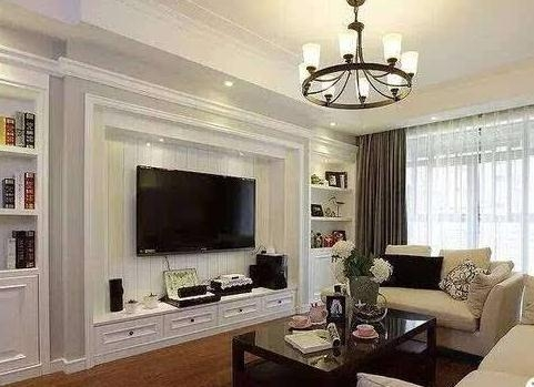 客厅别再装电视墙了,现在流行石膏线装饰,既美观又省钱
