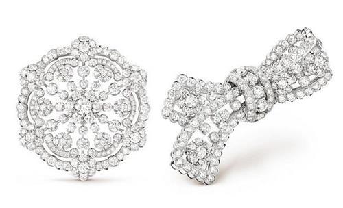 而在「snowflake」新作中,设计师以更圆润的六边形雪花作为元素,你