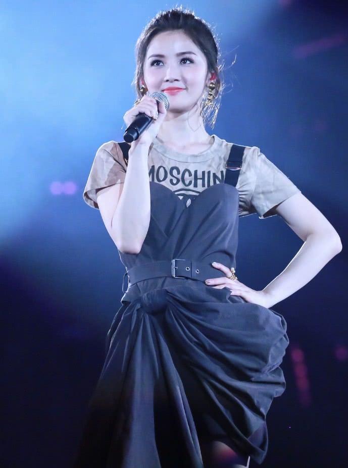 蔡卓妍的少女颜无敌了36岁像16岁网友:是吃可爱长大的