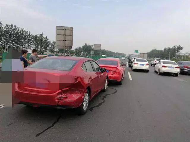 高速亲眼目睹了高速车祸发生,分享一点自己的安全心得!