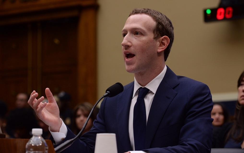 小扎发文庆 FB 15周岁:社会将因社交网络更开放更负责