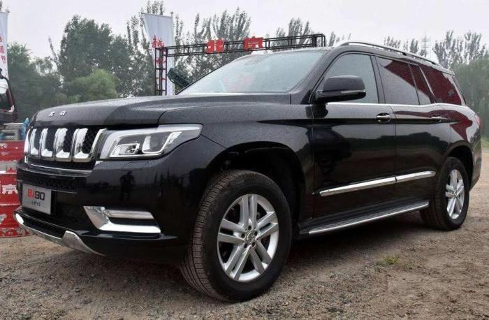 国产SUV售98.8万,只因配奔驰发动机?网友:没豪车命,得豪车病