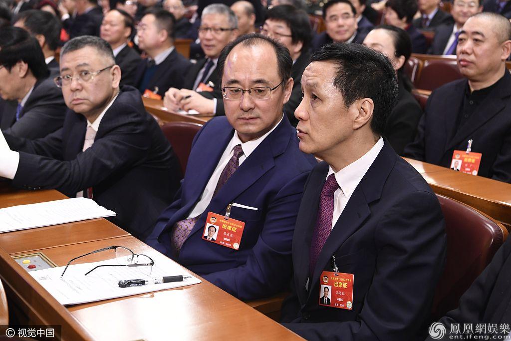 冯小刚、姚明现身政治协商会议  冯远征:演员也要踏实学