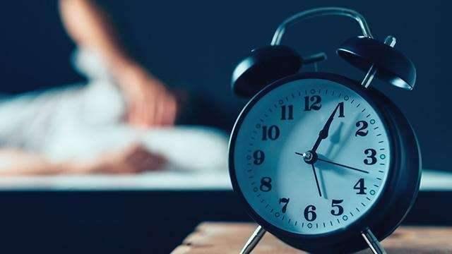 长时间失眠,究竟要不要吃安眠药?用不用医治?专家给出答案