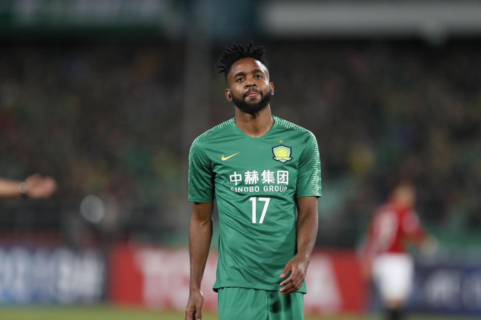 亚冠-国安0-0浦和 巴坎布四失单刀 主裁出现严重漏判