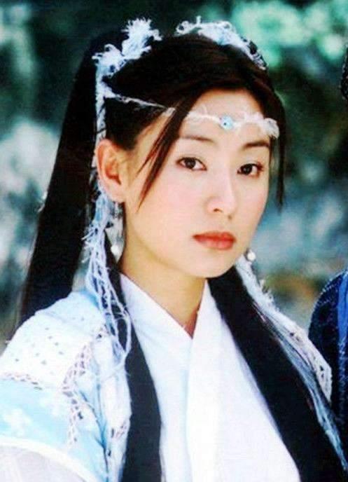 """她是金庸笔下最美""""小昭"""",42岁素颜甜美如少女"""