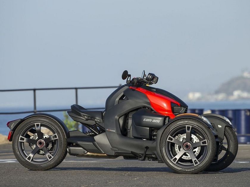 售价才约5.7万,庞巴迪发布全新入门级600cc倒三轮,这外观还要啥两轮摩托