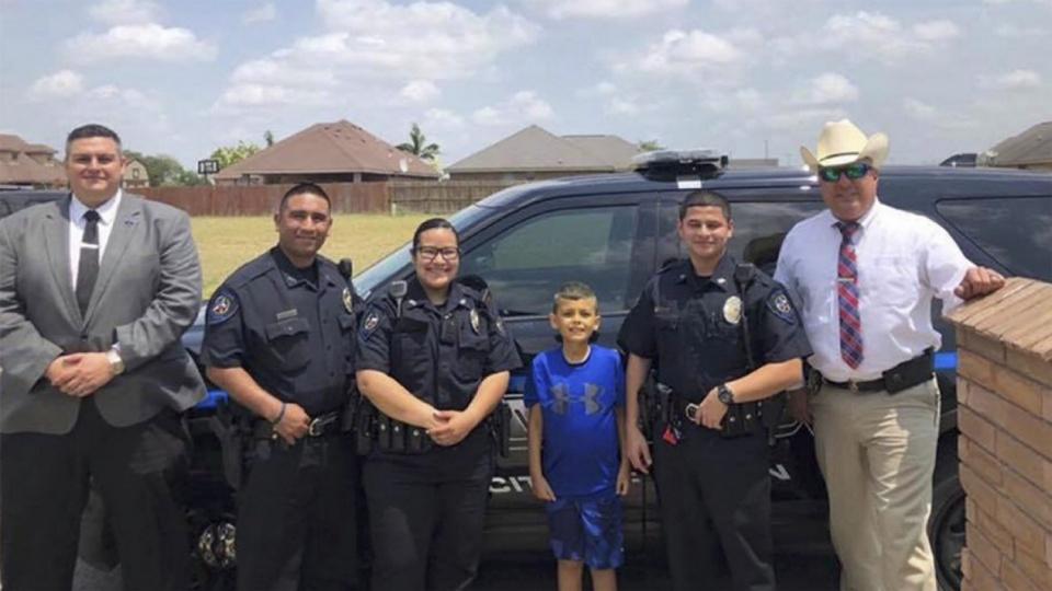 9岁患癌男孩当上警长,背后的故事很暖心…