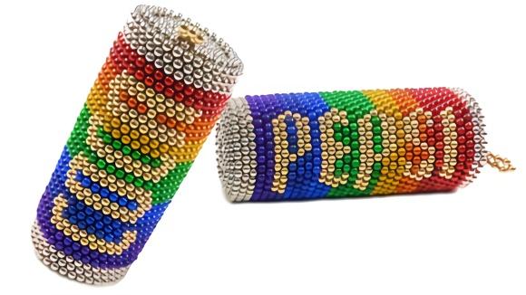 趣味手工制作:磁力珠做饮料瓶