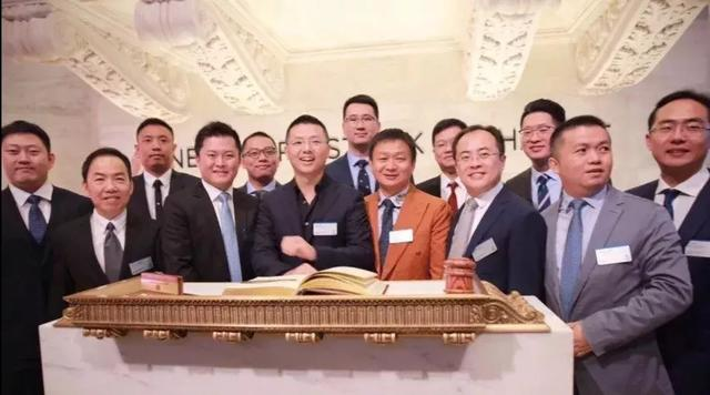 罗敏(中)左手边依次是周亚辉、朱天宇、吴世春、曹毅