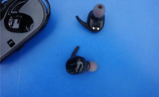 无线耳机益用么?实测魅动HE3通知你答案