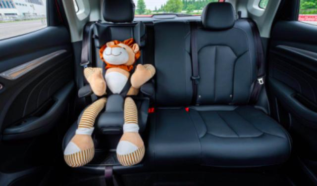 首款自带儿童安全座椅的国产SUV诞生,无需安装不占地方,超给力