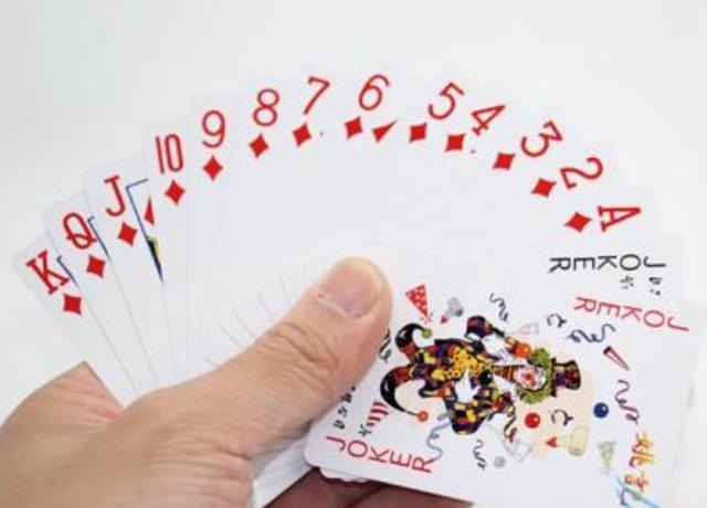 被智能手机打败了?扑克大王变成科技公司,靠手机游戏来赚钱