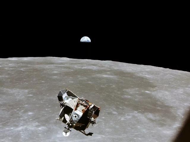 """这叫""""逆天""""!iPhone计算能力比上天的阿波罗飞船强大1.2亿倍"""