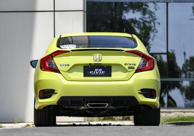 低油耗,外观骚,换新中置排气的思域现在还要加价购车吗?