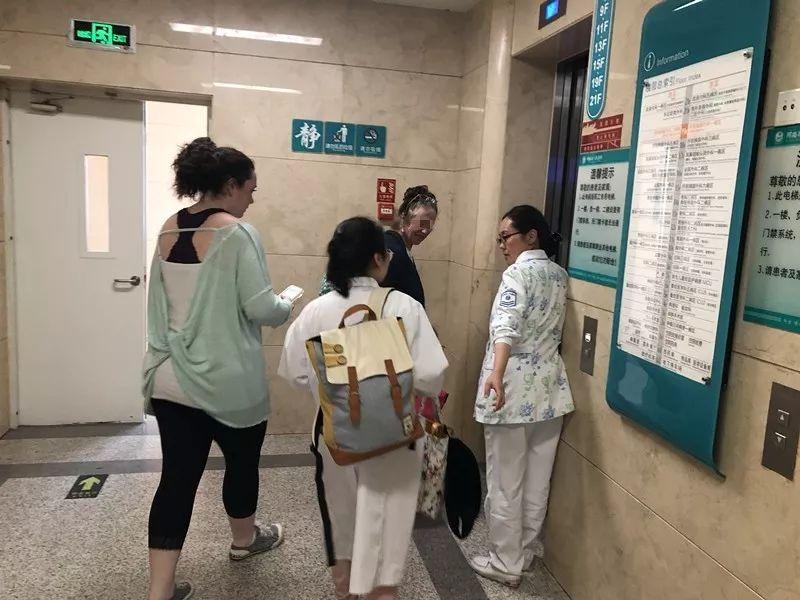 暖心!29岁外籍女孩温情留言河南这家医院,感谢生病期间对她的照顾