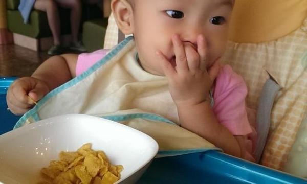 5岁男孩常吃这2种零食,1年身高丝毫未动,医生直言:简直坑娃
