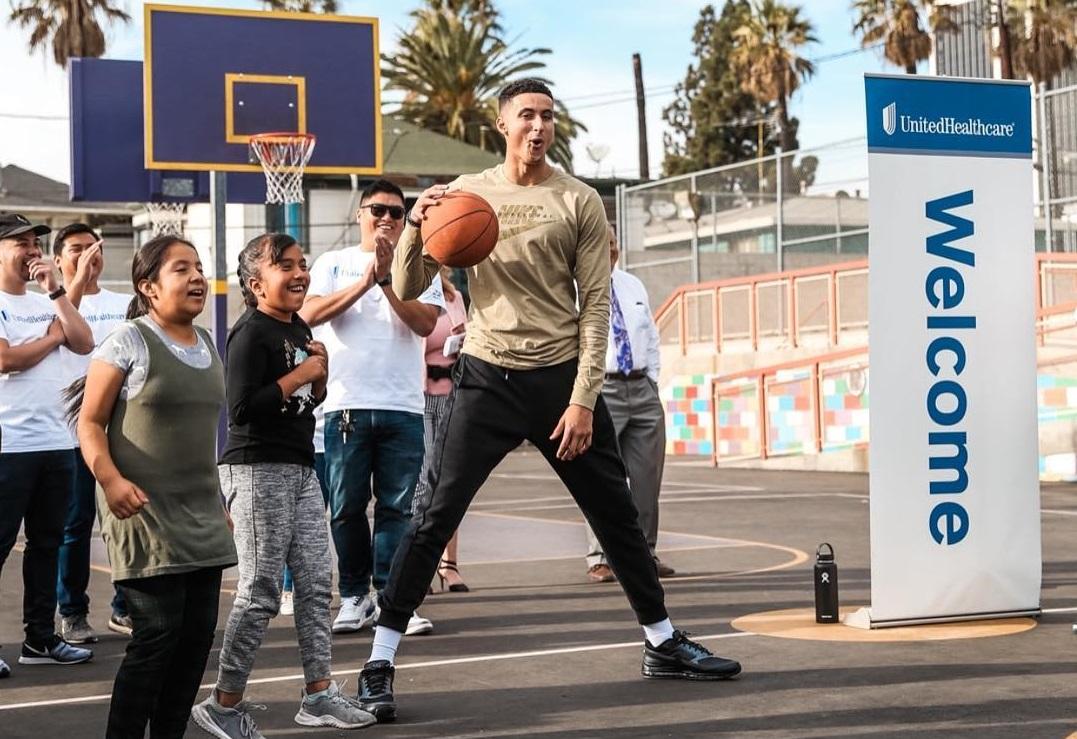 有爱!库兹马帮助洛杉矶当地小学建设篮球场,性感沙滩zero,性感海滩3,性感海滩zero,金属激光打标机,金属硅,金属钙