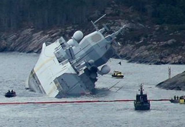 挪威護衛艦頭上頂球一撞就翻 印度驅逐艦隱患更嚴重