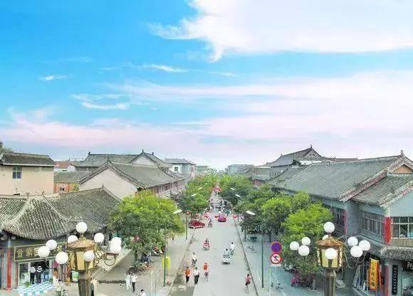 兴城市归属于葫芦岛市管辖,于葫芦岛市西南部,在辽东湾西岸,居辽西