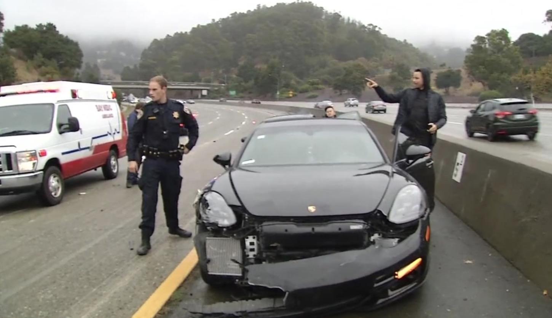 库里在前往训练馆的路上遭遇车祸,没有受伤 凤凰体育