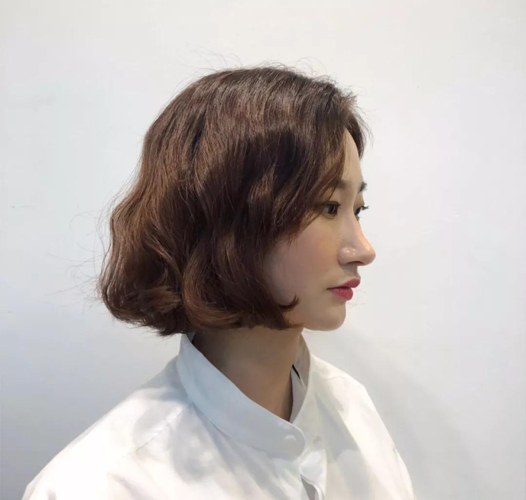 古灵精怪的齐耳短发适合瘦瘦的女生, ▼ 及肩长度的发型一定程度上也图片