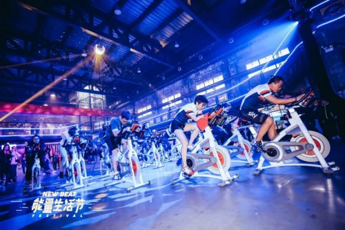 大众参与度高,如滑板,拳击操,足球,动感单车,刺青,美式理发,巴西柔术