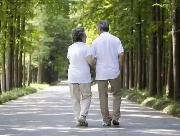 【户外知识】饭后散步真养生?这些人饭后不宜散步!尤其是.
