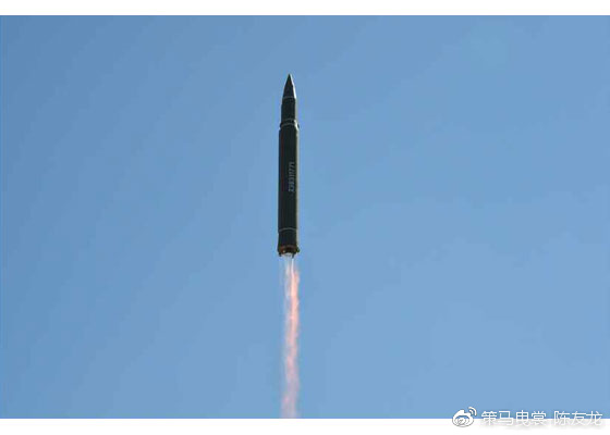 """""""火星""""-14导弹的发动机尾焰可见马赫环"""